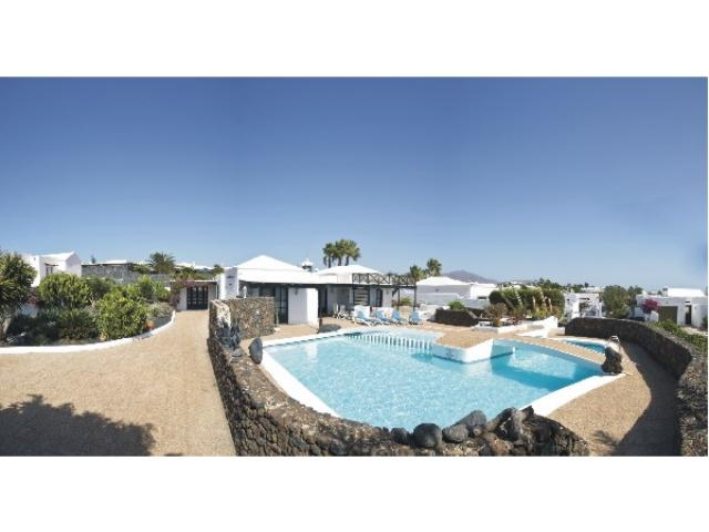 The stunning Villa Charlotte is a luxury detached and family friendly villa situated in the established and exclusive area of Playa Blanca. This elevated, beautiful and tranquil setting has wonderful