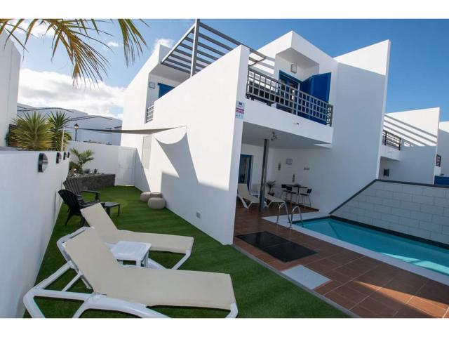3 bedroom fully refurbished villa with private heated pool, sea and mountain views in Las Coloradas Playa Blanca