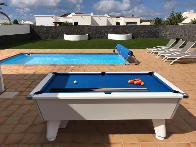 Villa Sara Luxury mordern family villa, private heated pool and pool table