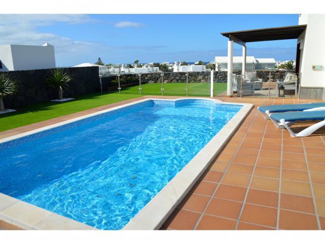 Pool area - Villa Aroca, Playa Blanca, Lanzarote