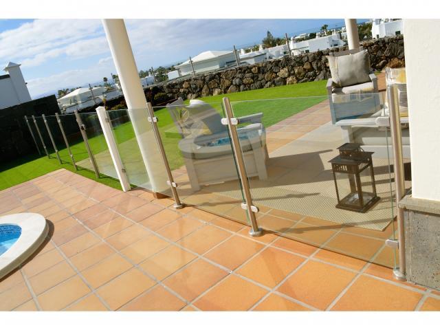 Pool area secured with Glass fence - Villa Aroca, Playa Blanca, Lanzarote