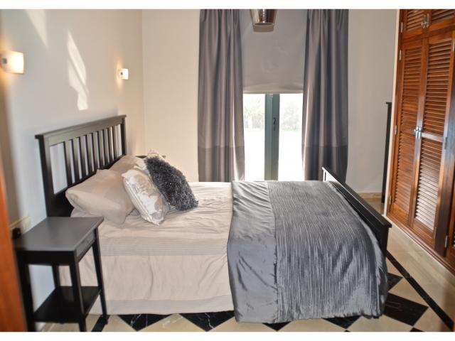 master bedroom with ensuite - Villa Aroca, Playa Blanca, Lanzarote