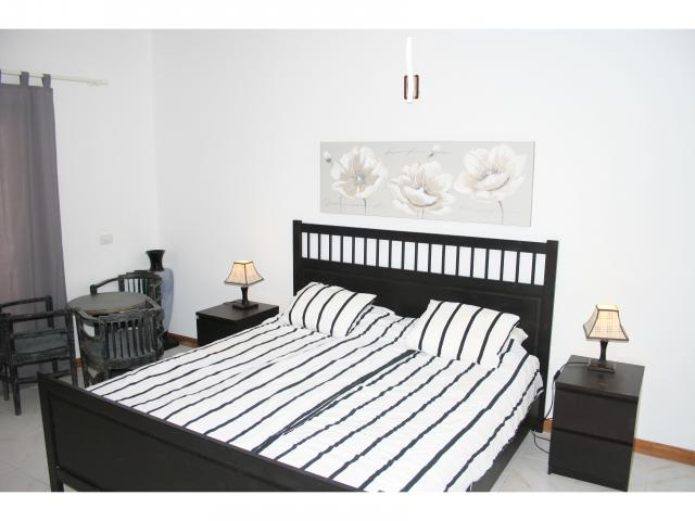 1.80 King size bed en-suite! - Big 5 bed villa, Playa Blanca, Lanzarote