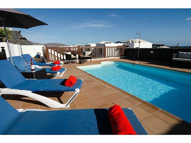- Vista Lobos, Playa Blanca, Lanzarote