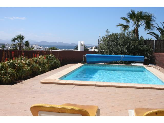 Wonderful sea views! - 3 bed villa Los Coloradas, Playa Blanca, Lanzarote