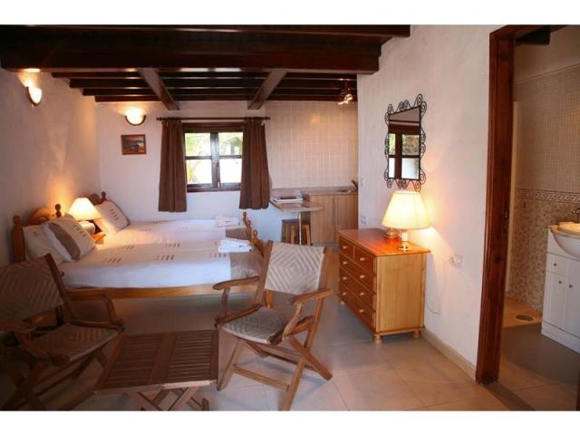 The annexe with kitchenette & showeroom - Villa Charlotte, Playa Blanca, Lanzarote