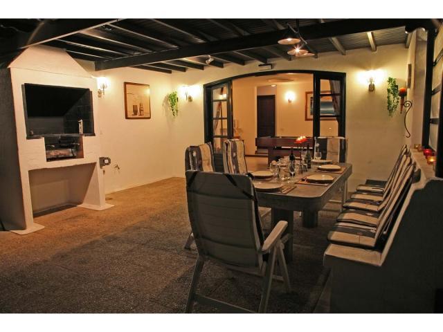 Alfresco dining in the evening - Villa Charlotte, Playa Blanca, Lanzarote