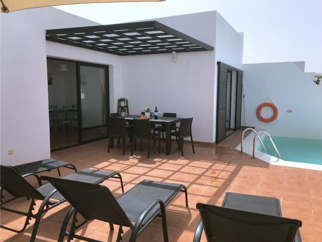 Pool and Outdoor Dining - Villa Diama, Playa Blanca, Lanzarote