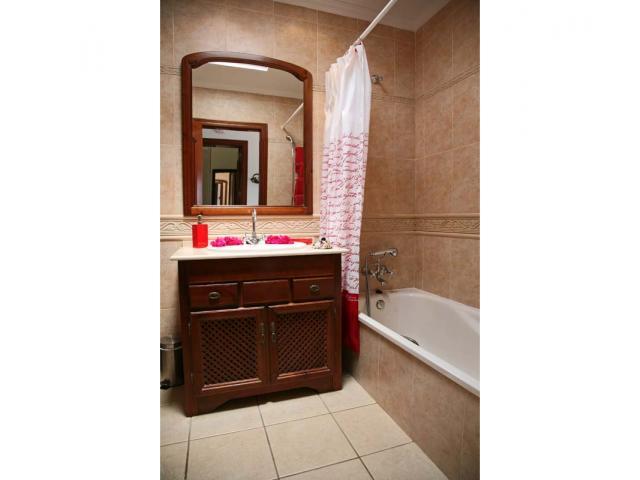 Bathroom - Casa Arabella, Playa Blanca, Lanzarote