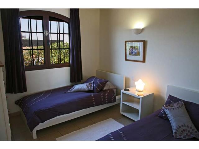 Twin bedroom - Casa Arabella, Playa Blanca, Lanzarote